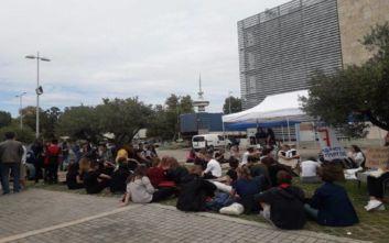 Θεσσαλονίκη: Καθιστική διαμαρτυρία μαθητών και φοιτητών για την κλιματική αλλαγή