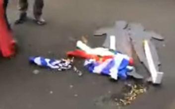 Σκοπιανοί στη Μελβούρνη έκαψαν ελληνικές σημαίες