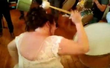Ο πιο θορυβώδης γάμος έγινε στην Κοζάνη: Η ιδιαίτερη είσοδος της νύφης