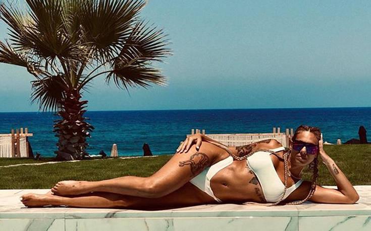 Η Ευρυδίκη Βαλαβάνη είναι το σέξι κορίτσι της ελληνικής τηλεόρασης