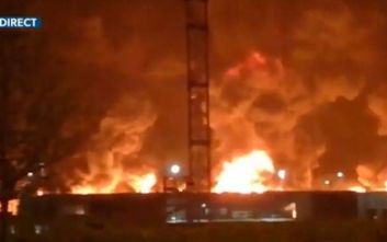 Μεγάλη φωτιά σε εργοστάσιο χημικών στη Γαλλία