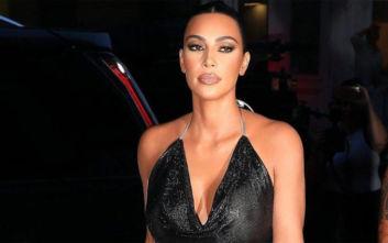 H Kim Kardashian κυκλοφόρησε δημόσια δείχνοντας τις θηλές της