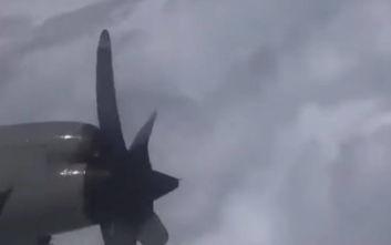 Βίντεο από πτήση τρόμου μέσα στον τυφώνα Ντόριαν