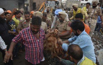 Τραγωδία στην Ινδία: Τουλάχιστον 18 νεκροί σε πυρκαγιά σε βιοτεχνία βεγγαλικών
