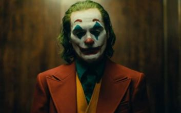 Γιατί η ταινία «Τζόκερ» τρομάζει τους συγγενείς θυμάτων του μακελειού του 2012