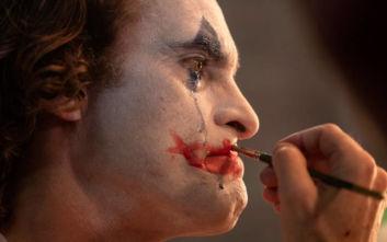 Joker: Πώς η νέα εκδοχή του νοσηρού ήρωα κατοχύρωσε μια θέση στην οσκαρική κούρσα