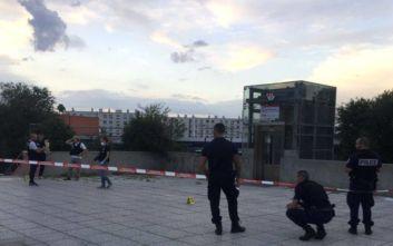 Επίθεση με μαχαίρι στη Γαλλία: Ο δράστης άνοιξε την κοιλιά ενός ανθρώπου, κάρφωσε στο κεφάλι έναν άλλο