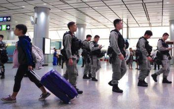 Χονγκ Κονγκ: Η αστυνομία αναπτύχθηκε μαζικά και εμπόδισε τους διαδηλωτές να πλησιάσουν στο αεροδρόμιο