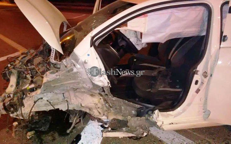 Οδηγός βγήκε σώος μέσα από αυτοκίνητο που έγινε συντρίμμια