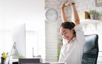 Πώς να αποκτήσεις ευεξία στη στιγμή ενώ είσαι στο γραφείο