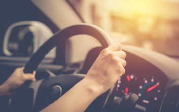 O μεγάλος περισπασμός στην οδήγηση που σπανίως συνειδητοποιούμε