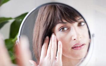 Τι μας λέει ο καθρέφτης μας όταν κοιταζόμαστε