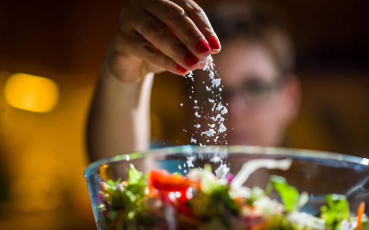 Το τρόφιμο που μπορεί να προστατεύει τον οργανισμό από τις βλαβερές συνέπειες του αλατιού