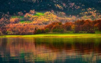 Φθινοπωρινό σκηνικό στη Λίμνη Πλαστήρα