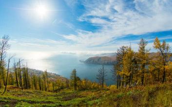 Εντυπωσιακές εικόνες από τη μεγαλύτερη λίμνη στον κόσμο