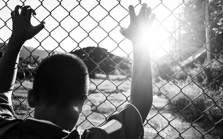 shutterstock 509672056 - Φρίκη για τα 300 αγόρια που βιάζονταν και βρέθηκαν αλυσοδεμένα σε σχολείο