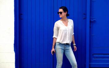 O απλός και αλάνθαστος συνδυασμός ρούχων που τολμούν ακόμα και οι γαλαζοαίματες