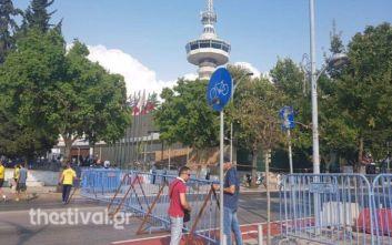 Κλείνουν δρόμοι στο κέντρο της Θεσσαλονίκης, κάγκελα και κλούβες γύρω από τη ΔΕΘ
