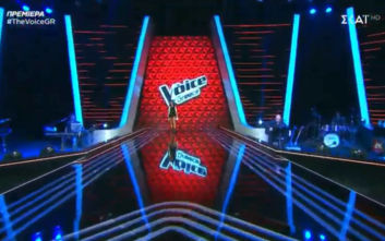 Έκανε πρεμιέρα το «Voice» με αγκαλιές, χαμόγελα και τη φωνή του Καπουτζίδη