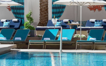 H θρυλική πισίνα που θες 800 ευρώ τη βραδιά για να απολαύσεις