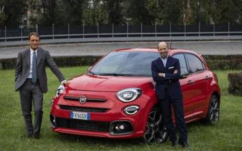 O Ρομπέρτο Μαντσίνι «παίζει μπάλα» με το Fiat 500Χ Sport