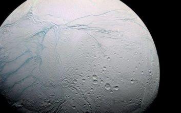 Σπουδαία ανακάλυψη στον Εγκέλαδο του Κρόνου, βρέθηκαν οργανικές ουσίες πρόδρομες της ζωής