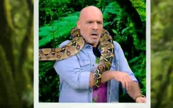 Τα φίδια έζωσαν τον Νίκο Μουτσινά στον «αέρα» της εκπομπής