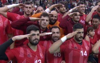 Σε απολογία οι Τούρκοι χαντμπολίστες ΑΕΚ και Ολυμπιακού για τον στρατιωτικό χαιρετισμό