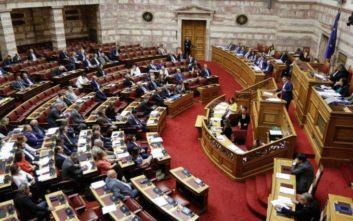 Βουλή: Πέρασε με 165 «ναι» το αναπτυξιακό νομοσχέδιο, άγρια κόντρα Τσίπρα-Γεωργιάδη