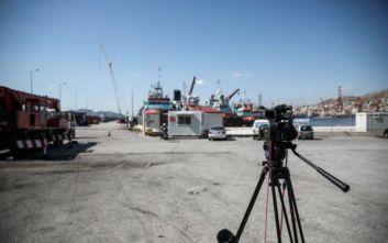 Βουτιά 32 μέτρων στη θάλασσα έκανε το αυτοκίνητο στη Δραπετσώνα