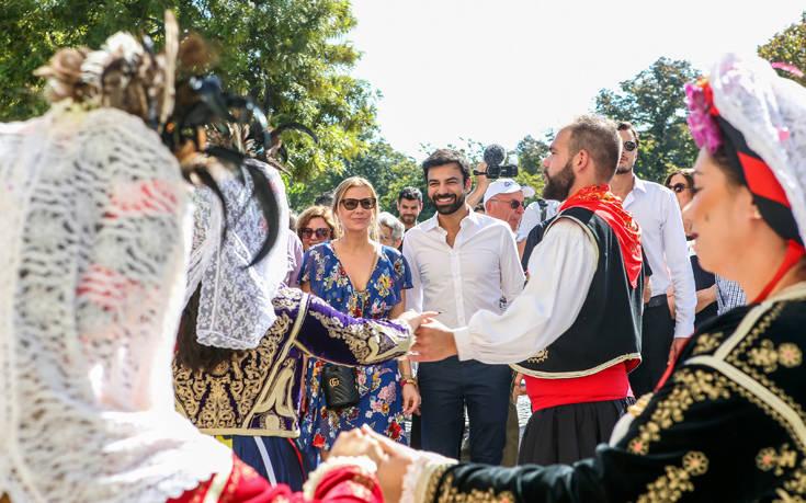 Με χορούς και πανηγύρια υποδέχτηκε η Κέρκυρα την Μπρουκ από την «Τόλμη και Γοητεία»