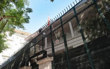 Καταδικάζει το υπουργείο Εξωτερικών την εισβολή στο τουρκικό προξενείο