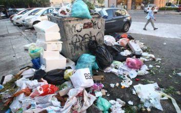 «Βουνά» τα σκουπίδια στην Αθήνα