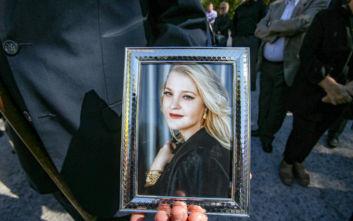 Σοφία Κοκοσαλάκη: Σε κλίμα οδύνης η κηδεία της