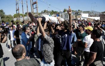 Φορτισμένη η ατμόσφαιρα στη Μόρια: «Ελευθερία» φώναζαν πρόσφυγες