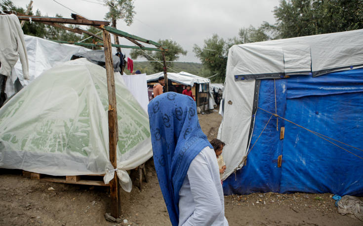 Handelsblatt: Στην Ελλάδα ξεπροβάλλει μια νέα προσφυγική κρίση