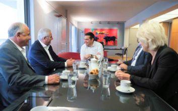 Τσίπρας-Κυπριανού: Μόνη λύση για το Κυπριακό η επανέναρξη των διαπραγματεύσεων