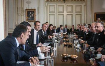 Οι πολίτες αξιολογούν τους υπουργούς της ΝΔ έναντι αυτών του ΣΥΡΙΖΑ, ποιον «επιβραβεύουν» περισσότερο
