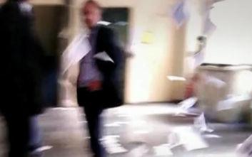 Παρέμβαση Ρουβίκωνα στο Υπουργείο Εργασίας