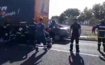 Τροχαίο στις Σέρρες: Νεκρός ο οδηγός του αυτοκινήτου που καρφώθηκε σε νταλίκα