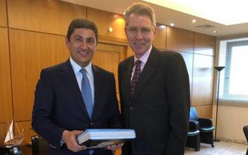 Αθλητική διπλωματία και αθλητικός τουρισμός στο επίκεντρο συνάντησης Πάιατ-Αυγενάκη