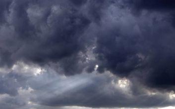 Ένας νεκρός από τις σφοδρές καταιγίδες στην Ιταλία
