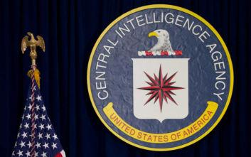 Να τι δεν παρέλειψε να ελέγξει στα απόρρητα αρχεία της CIA ο Έντουαρντ Σνόουντεν