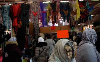 Η μουσουλμανική μαντίλα διχάζει τη Γαλλία