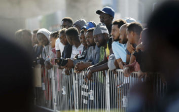 Η αμερικανική κυβέρνηση προτείνει τη συλλογή DNA κρατούμενων μεταναστών