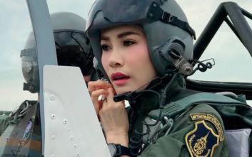 Σάλος με τον βασιλιά της Ταϊλάνδης: Κατηγορεί τη σύντροφο του για «απιστία απέναντι στον μονάρχη»