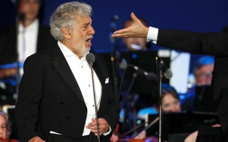 Ο Πλάθιντο Ντομίνγκο παραιτήθηκε από γενικός διευθυντής της Όπερας του Λος Άντζελες