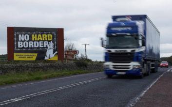 «Η Βόρεια Ιρλανδία δεν θα δεχτεί παραμονή στην τελωνειακή ένωση με την ΕΕ»