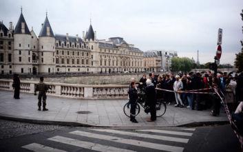 Επίθεση με μαχαίρι στο Παρίσι: Πληροφορίες για τέσσερις νεκρούς