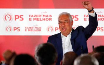 Εκατόν οκτώ έδρες εξασφαλίζουν οι Σοσιαλιστές στην Πορτογαλία